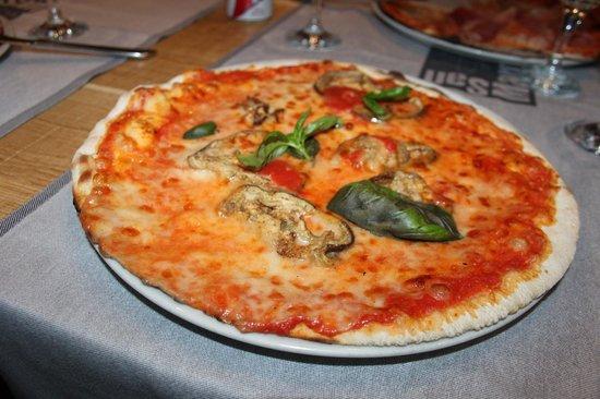 "Pizzeria San Marco : Pizza ""Parmigiana"""