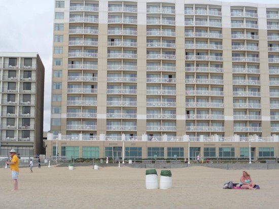 SpringHill Suites Virginia Beach Oceanfront : View of hotel from the beach.