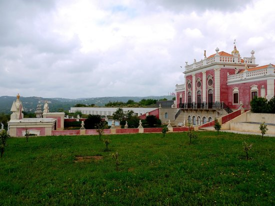 Pousada Palacio Estoi: View from the east