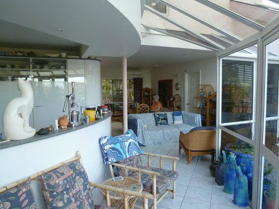 Okoromai Bay Bed & Breakfast: Interior view of our home. Door to the right leads to Guests wing of the house.