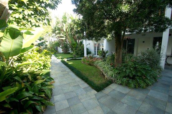 Rosedon Hotel: Courtyard