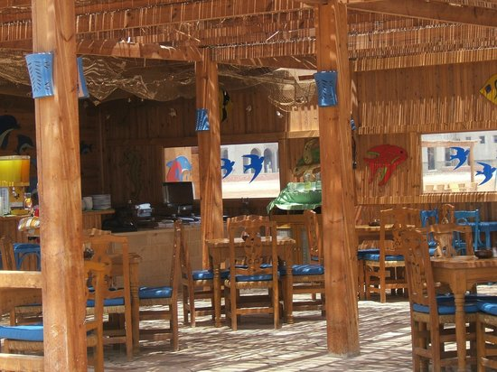 Three Corners Rihana Resort: bar resto de la plage