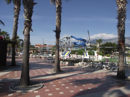 Limak Limra Hotel & Resort : sun beds