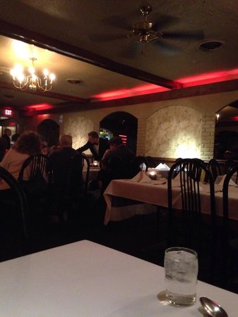 Moro's Dining: Inside Moro's early Saturday evening