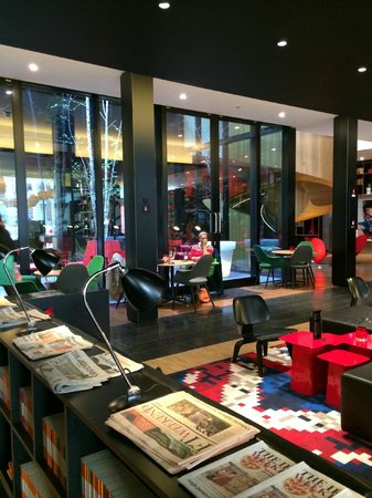 citizenM London Bankside : Dining Area