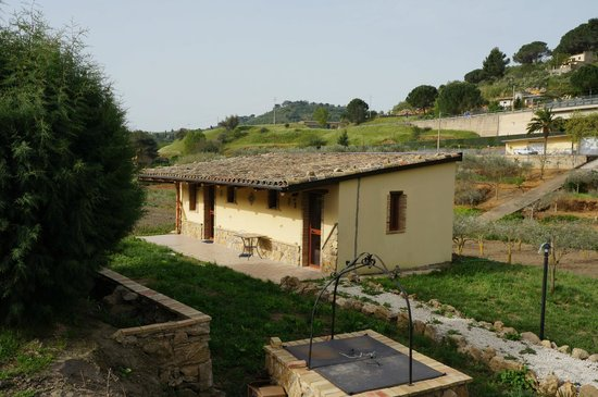 Giucalem B&B : One of bungalow style little houses (2 rooms)