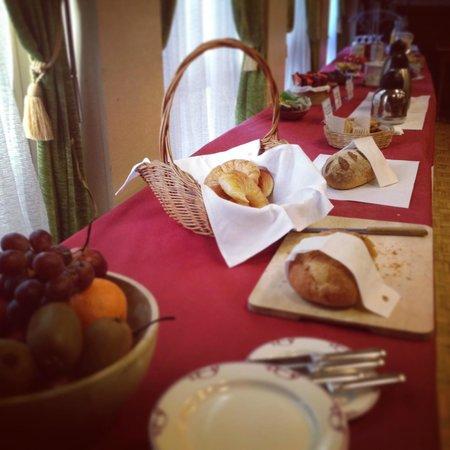 La Suite Hotel Cafe & Restaurant : Buffet petit-déjeuner