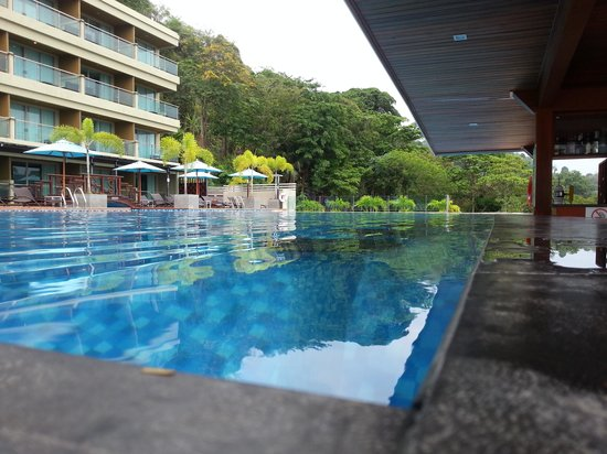 The Senses Resort : View from the swim up bar