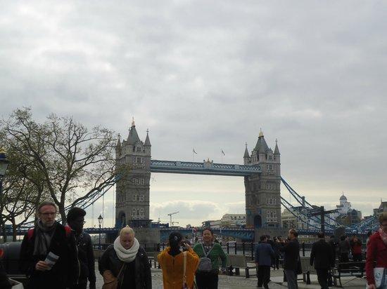 Premier Inn London Bank (Tower) Hotel: Tower Bridge (no London bridge)