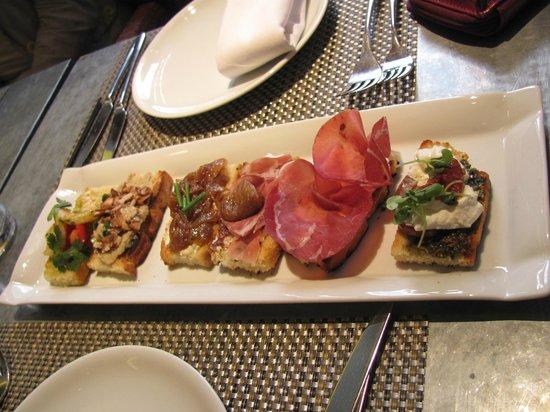 Fig & Olive : delicious crostini