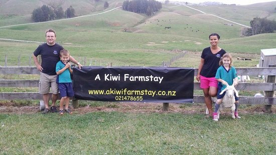 A Kiwi Farmstay : Your hosts