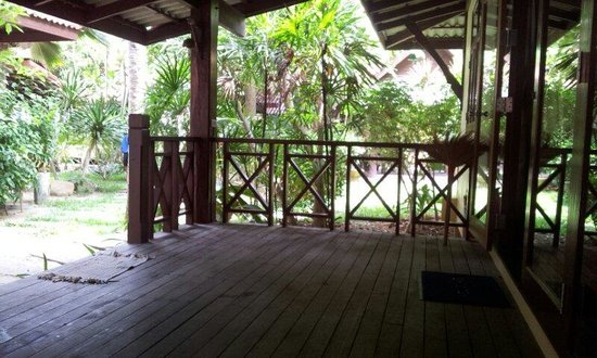 Bayview Beach Resort: The terrace full of space