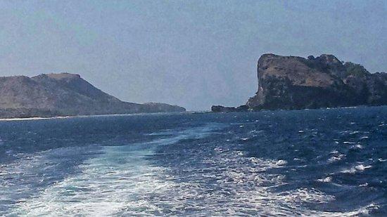 Yasawa Flyer Ferry : Off the back of the yasawa flyer just off nacula on return to denarau island fiji