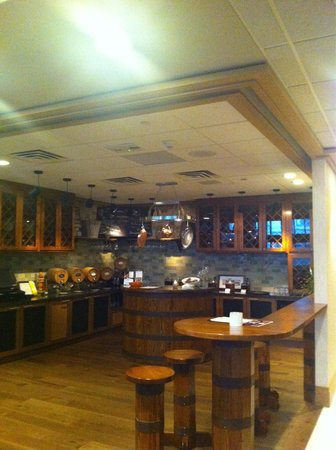 Rochester Marriott Mayo Clinic Area: The wine bar