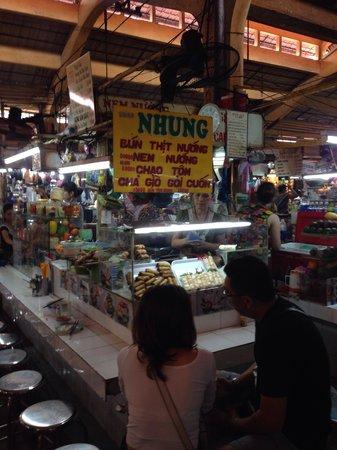 Ben Thanh Market : ベンタン市場内の食堂です!