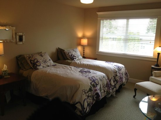 Viewmont Manor: Twin room
