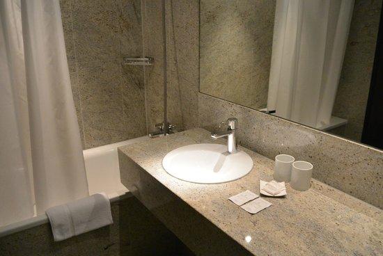 Hotel Astoria: bathroom