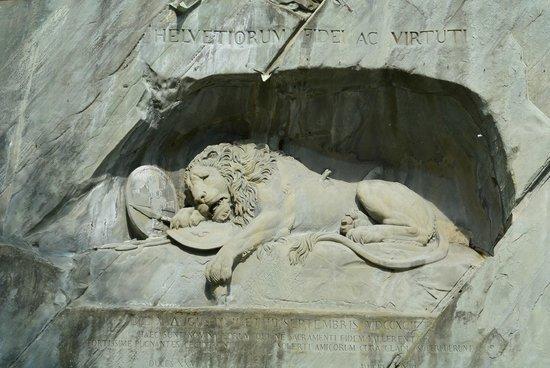 Monumento al león de Lucerna: Lion Monument