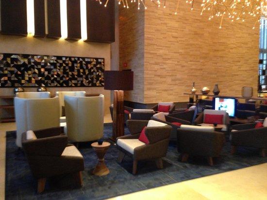 Hilton Mexico City Santa Fe: Lobby lounge