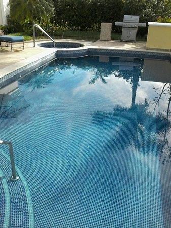 Pueblo Bonito Emerald Bay: Villa pool and spa