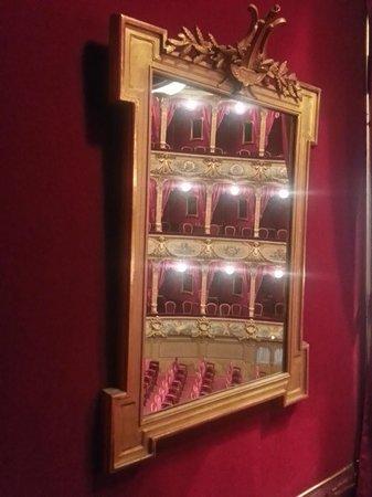 Opera de Nice: В каждой ложе зеркало