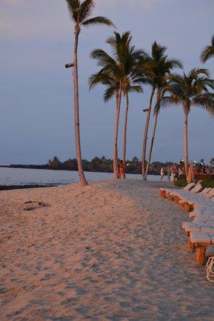 Four Seasons Resort Hualalai: The beach near the family pool & Ulu