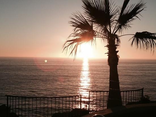 Arriba de la Roca: beautiful sunset from our usual perch.
