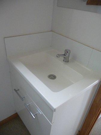 BIG4 Iluka on Freycinet : Bathroom sink