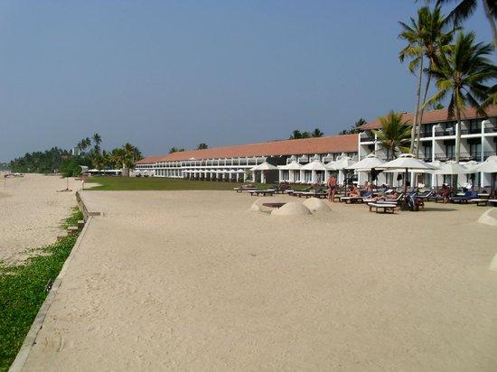The Surf Hotel: Gesamtansicht Süd nach Nord