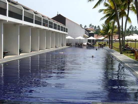 The Surf Hotel: großer Pool und de luxe Zimmer mit Poolzugang