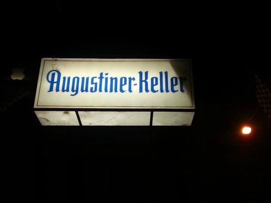 Augustiner-Keller: Вывеска