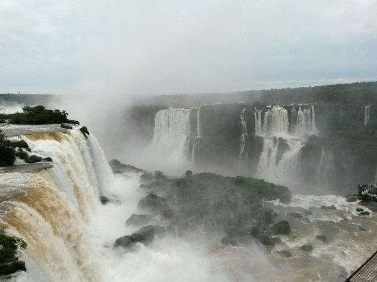 Foz do Iguaçu: Muy lindo y cuidado,  tanto como el lado Argentino