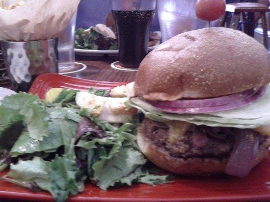 Napa Valley Burger Company: Amazing hamburger
