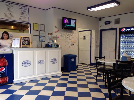 Cape Cod Burgers And Fries: Clean and friendly