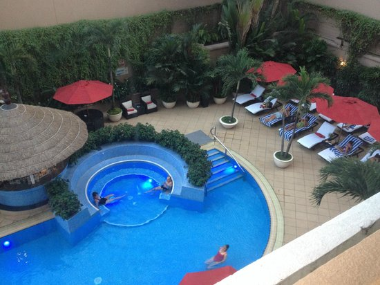 Caravelle Saigon: Pool view from our 9th floor room