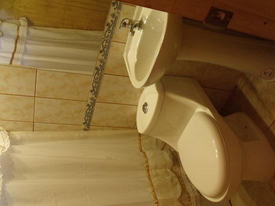 Cabanas Tokerau: Baño en suite