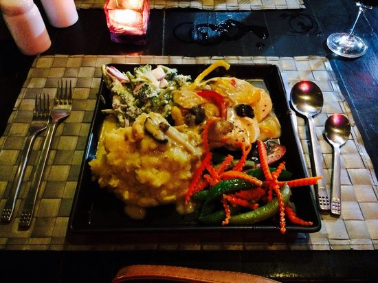 Red Ginger: Chicken in a Mushroom and white wine sauce. Huge portions!!!