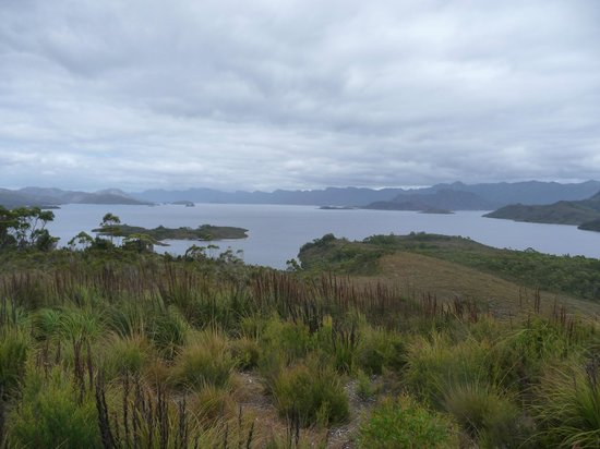 Pedder Wilderness Lodge : Lake Pedder