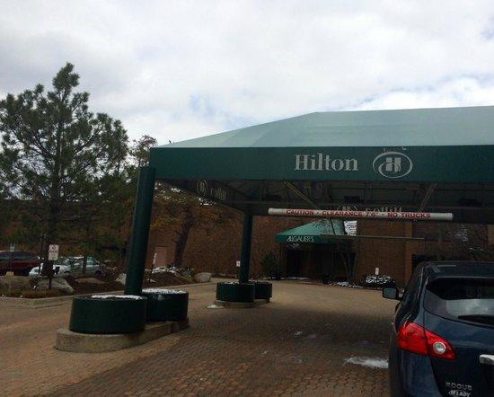 Hilton Lisle / Naperville: Front Canopy