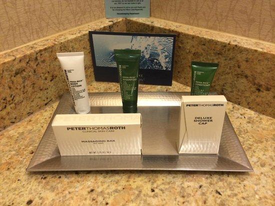 Hilton Lisle / Naperville : Toiletries