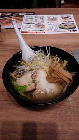 Men Chubo Ajisai, Chitose Airport : もやしらーめん 塩味 メンマトッピング