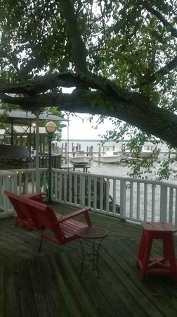 Apalachicola River Inn : Around the grounds