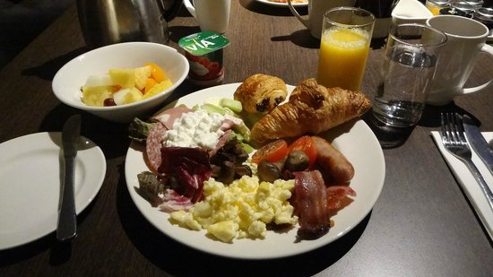 Hilton London Olympia : breakfast
