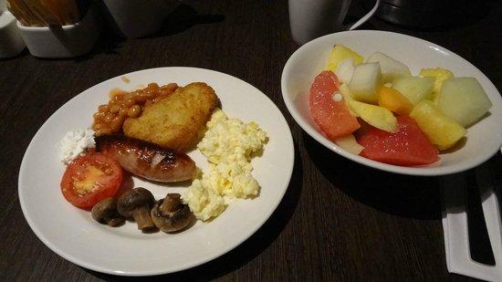 Hilton London Olympia: breakfast