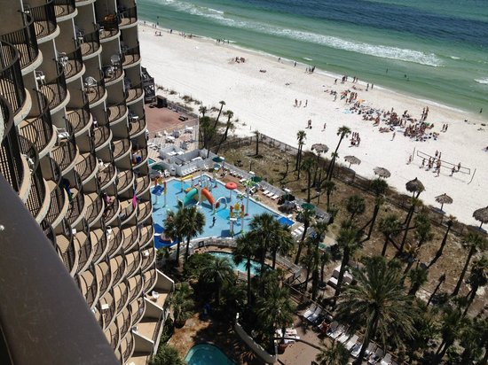 Holiday Inn Resort Panama City Beach: view from 14th floor of childrens water splash play area