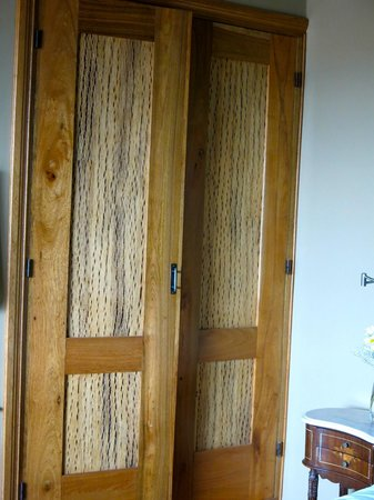 KKala Boutique Hotel: cordon cactus wood in the doors