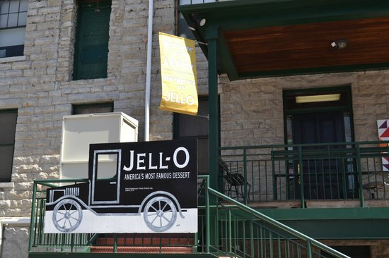 Jell-O Gallery Museum: outside