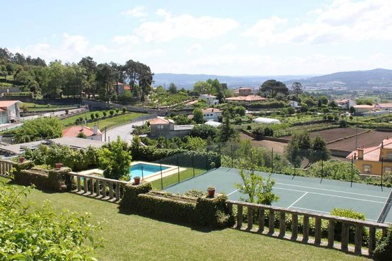 Casa do Monte: Swimming Pool and Tennis