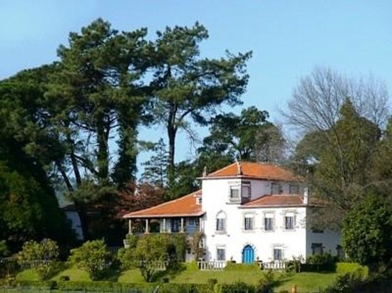 Casa do Monte: Home and View