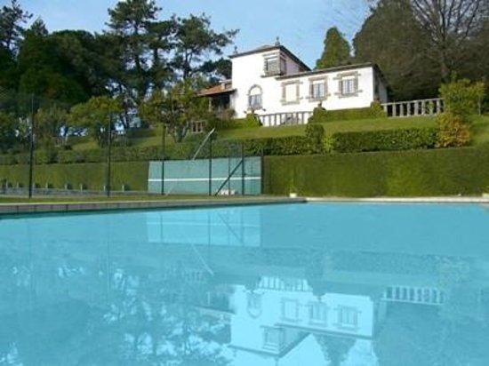 Casa do Monte: Swimming Pool and House
